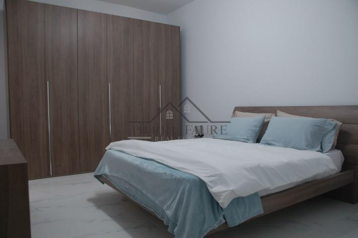 Bedroom 2 (Small)