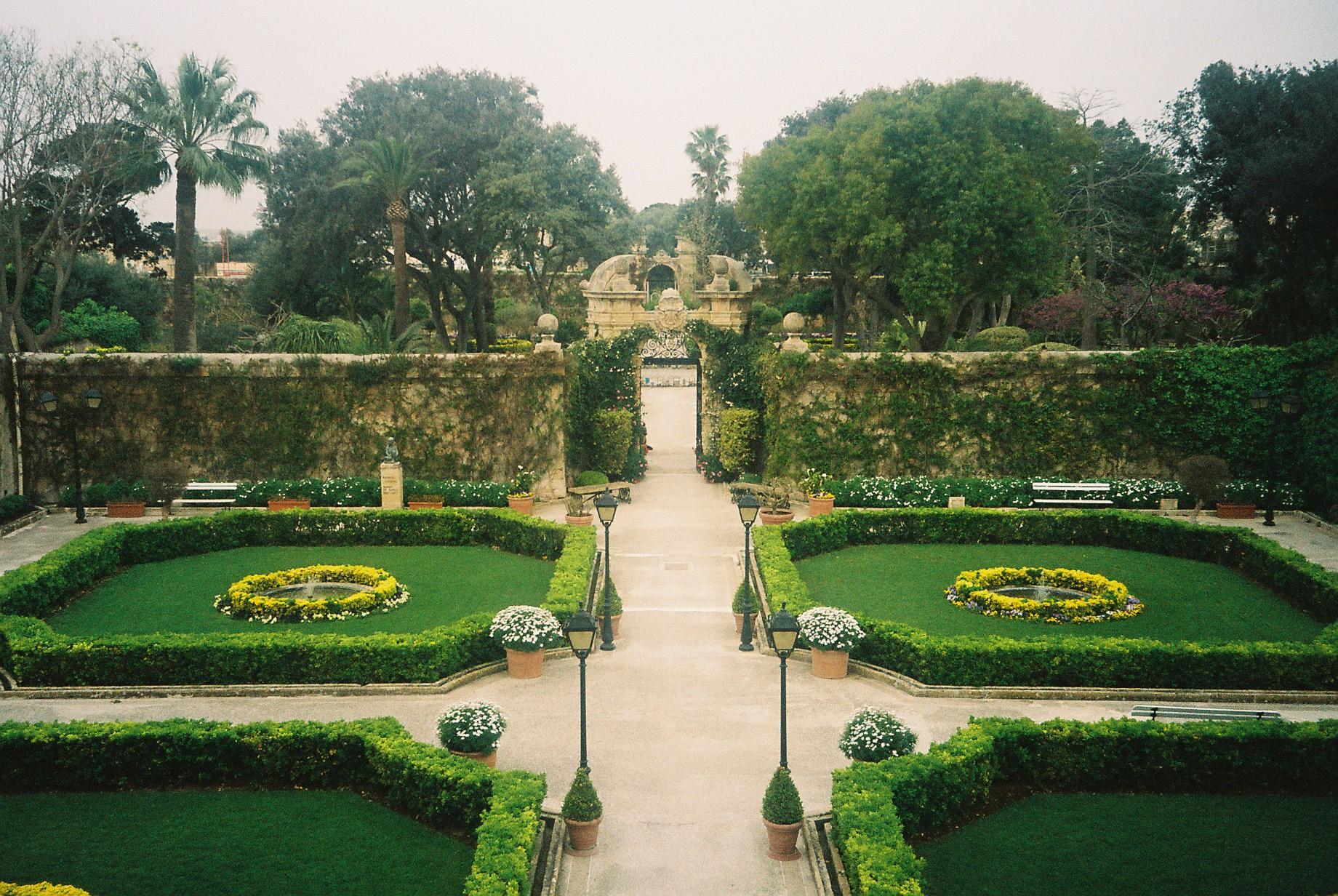 Garden Centre: Properties For Sale In Naxxar Malta