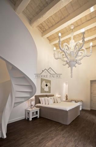 Chandelier Suite (Small)