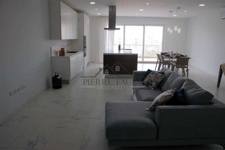 Living Area (Small)